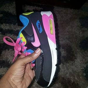 Nike Shoes - Nike Size 2 Girl's Tennis shoes